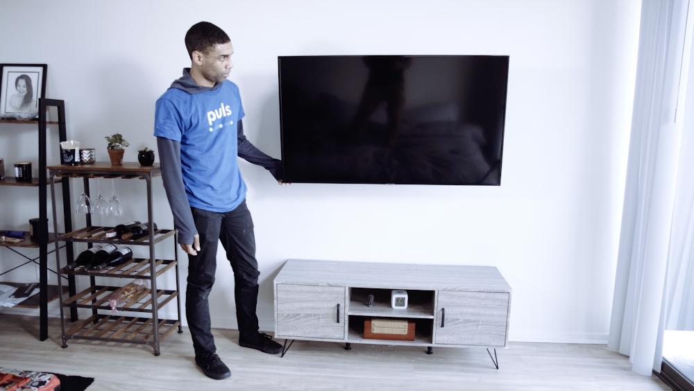 Puls TV installation technician